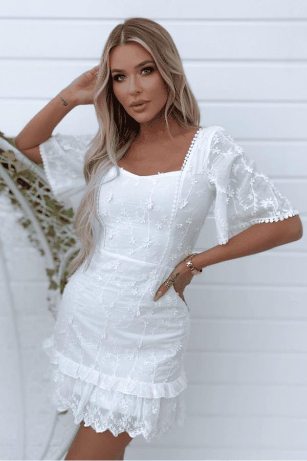 Biele letné mini šaty vyšívané
